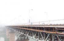 牛角沱大桥正式封闭上游幅实施桥面系整治
